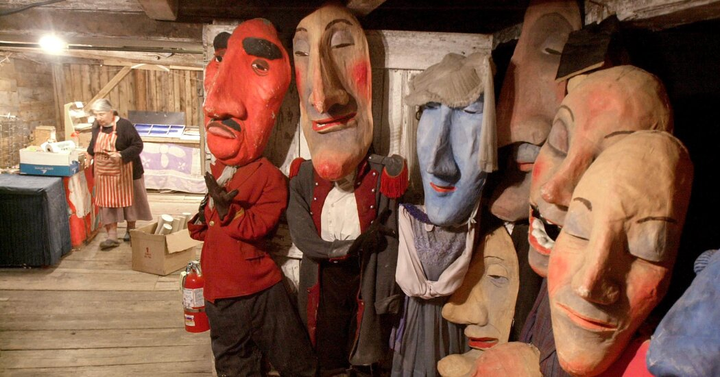 Elka Schumann, Matriarch of the Bread and Puppet Theater, Dies at 85