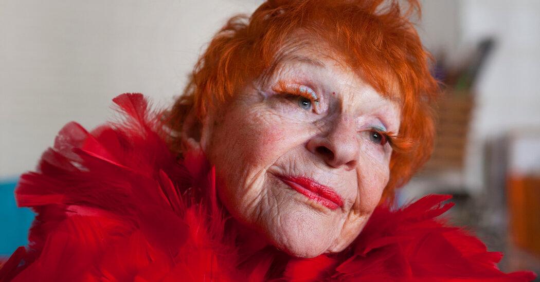 Ilona Royce Smithkin, Shocking Muse in Vogue and Artwork, Dies at 101