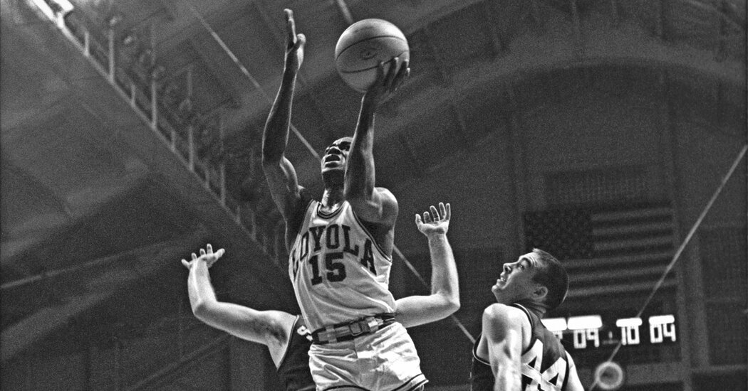 Jerry Harkness, 81, Dies; Star of a Historic Integrated Basketball Team