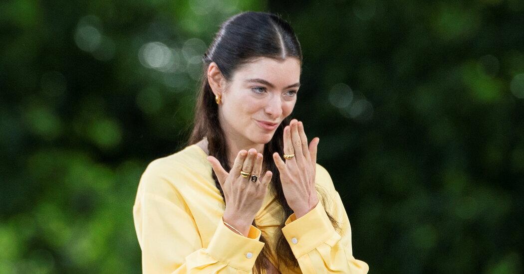 Lorde Steals Her Sunshine Back