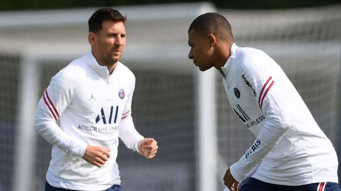 Messi and Mbappe named in PSG's 22-man squad, Ronaldo set to make Old Trafford return, plus Premier League updates