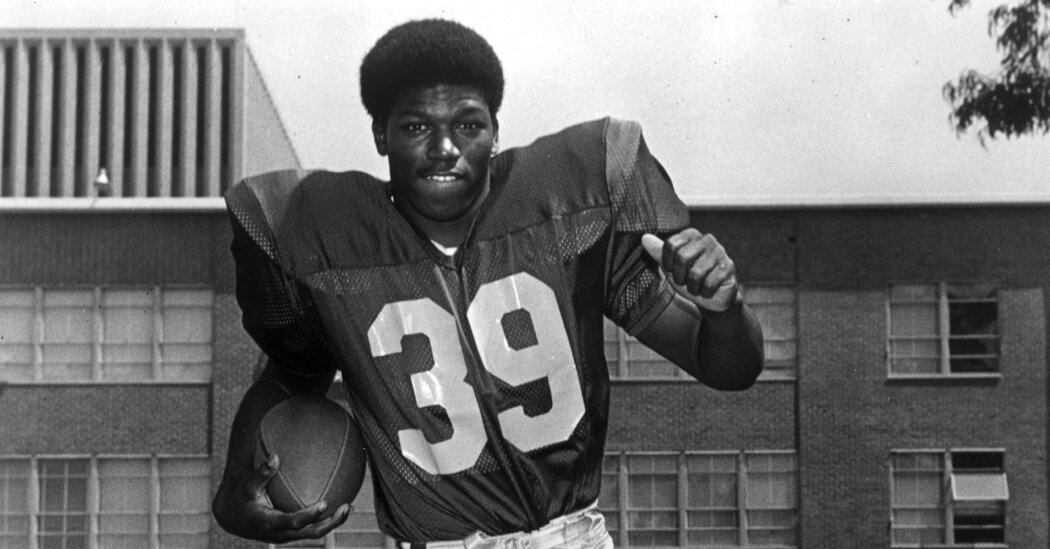 Sam Cunningham Dies at 71; Fostered Integration on the Football Field